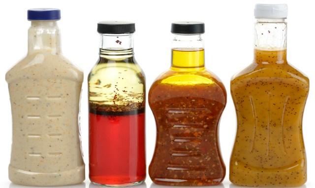Достойная замена жирному майонезу! 12 рецептов вкуснейших заправок, и все в одной статье.