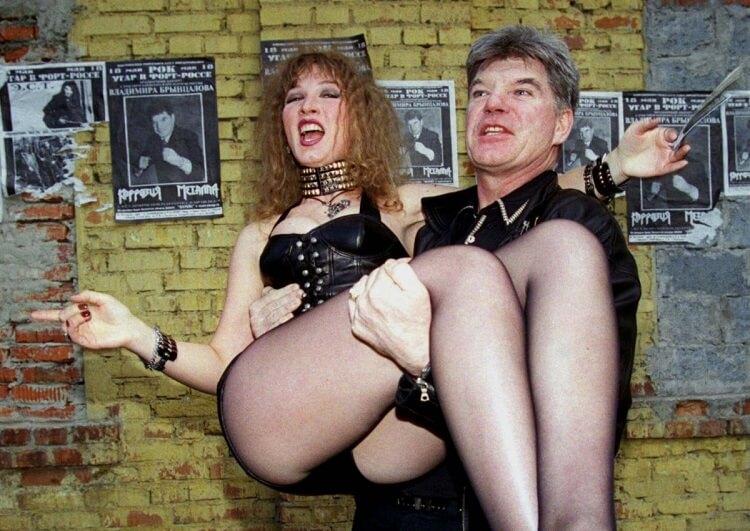10 диких, скандальных и шокирующих явлений из «лихих 90-х»