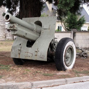 1024px-Howitzer_155_mm_mle_1917_Saumur_img_2310