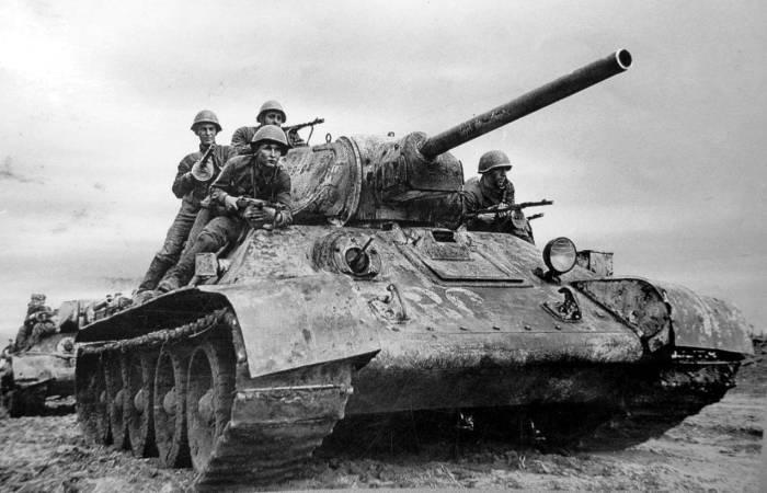 6 советских танков, которые у немцев стояли, как кость поперек горла