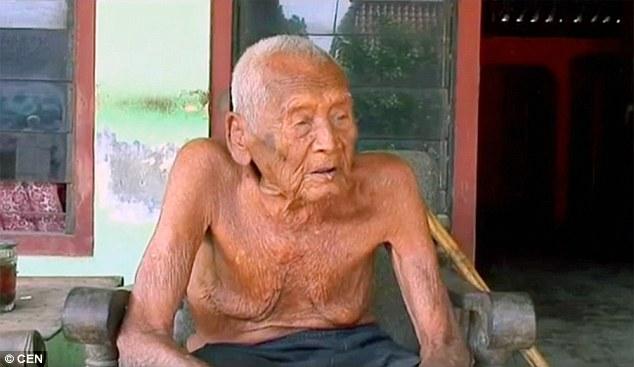 Самый старый человек в мире, которому 145 лет, живет в Индонезии