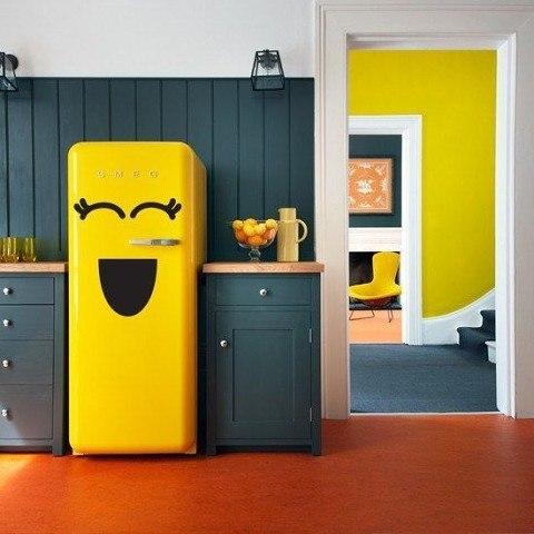 Очень позитивный холодильник