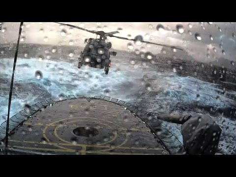 Штормовая посадка вертолета попала на видео