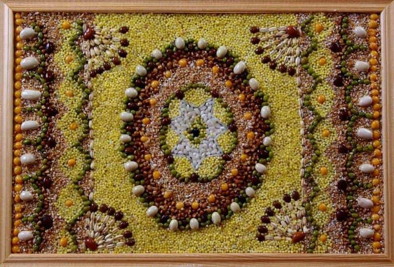 Картины из зерен и семян своими руками 7