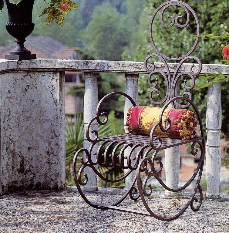 Кованые изделия на даче: застывшая красота : как сделать