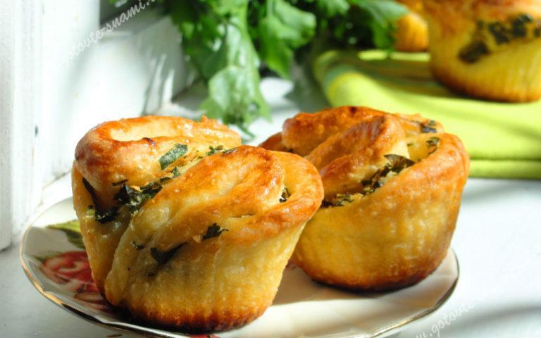Красивые и вкусные чесночные булочки
