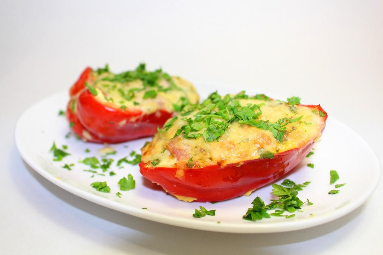 Рецепт перец с сыром и яйцом
