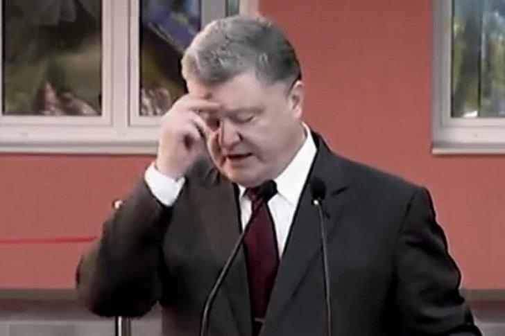 Тем временем в Украине... Паразиты немного денег дали. К войне, наверное?