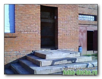 Бетонные ступени для входа в дом