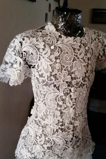 Она сшила себе такое свадебное платье, что не отличить от дизайнерских моделей из салона