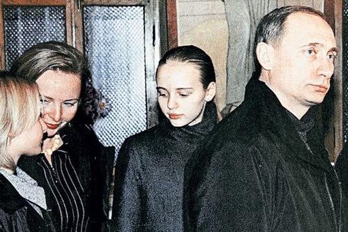 Предполагаемую дочь Владимир…