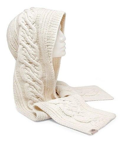 Белый вязаный капюшон