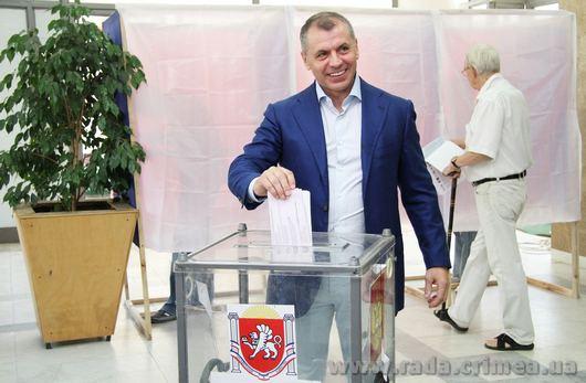Как проходили первые выборы в российском Крыму
