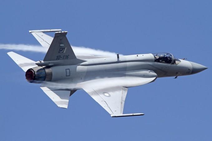 ВВС Пакистана получили новую партию истребителей JF-17