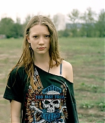 Миа Васиковска (Mia Wasikowska) в фотосессии Макса Дойла (Max Doyle) (2009)