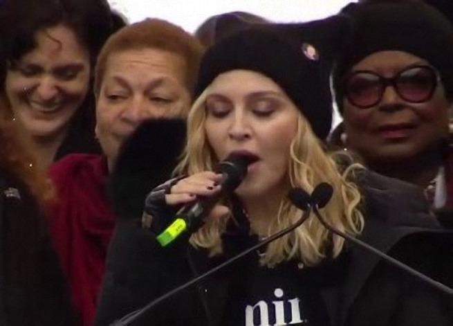 Америка объявила войну Мадонне из-за Трампа