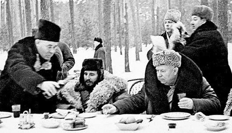 Самые нестандартные способы потребления водки в СССР