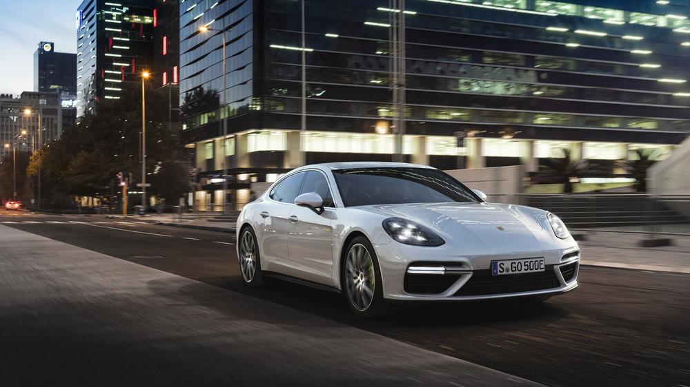 Porsche показала короля гибридов