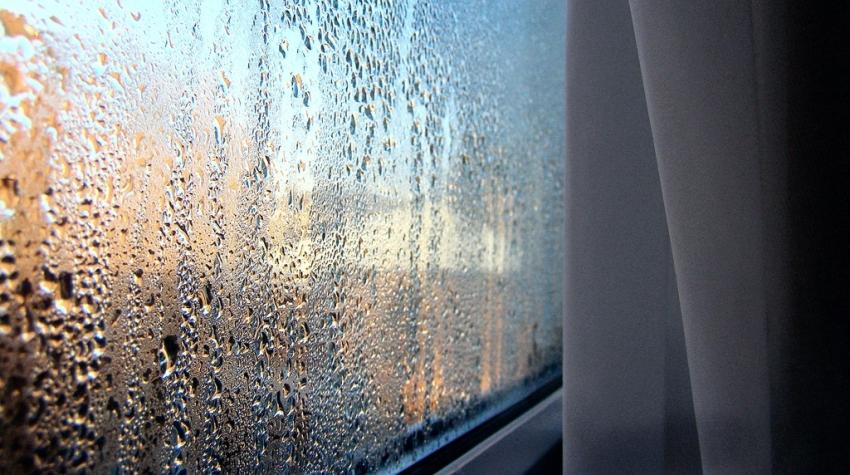 """Почему """"плачут"""" пластиковые окна?"""