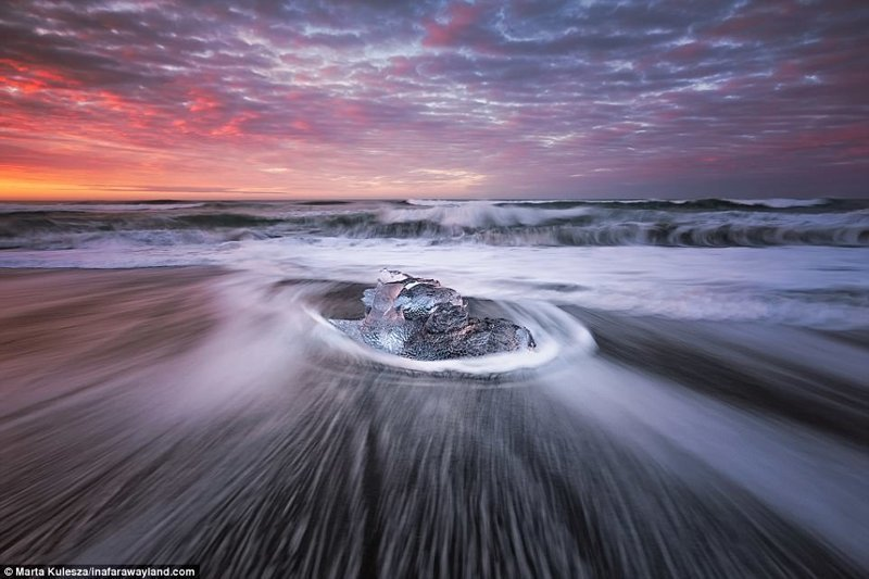 Мини-айсберг на пляже Даймонд бич, Исландия в мире, красивые фото, красивый вид, пейзажи, природа, путешествия, фото, фотографы