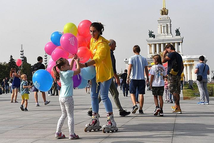 Москвичам пообещали теплые и сухие выходные