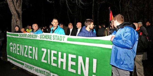 «Закройте границу!»: в ФРГ протестуют против преступлений арабских беженцев