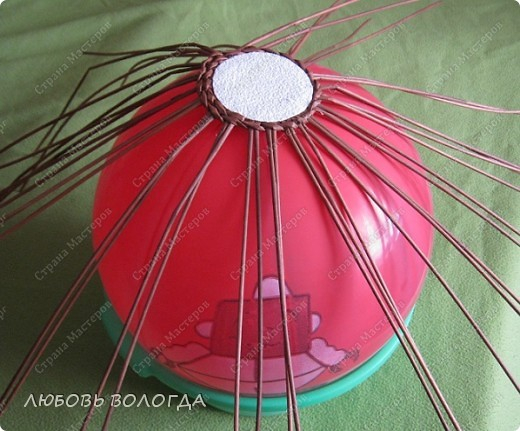 Плетение из газет. Овальные и круглые ХЛЕБНИЦЫ с крышками. Мастер-классы (29) (520x431, 215Kb)