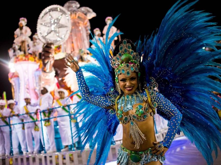 Самые красивые девушки бразильского маскарада фото