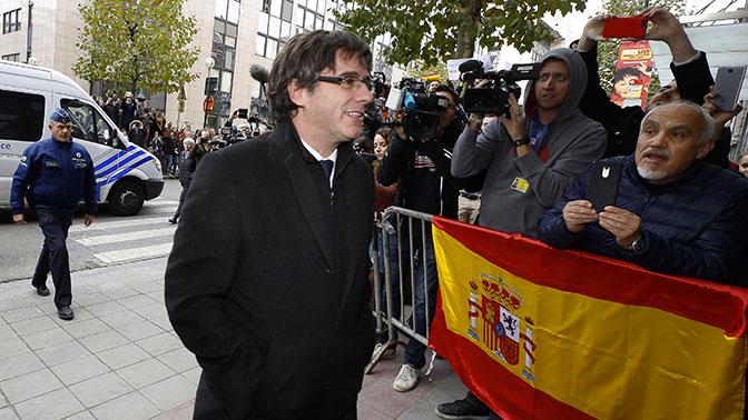 Донбасс отменяется: Лидер Каталонии вместе с министрами сдался бельгийской полиции