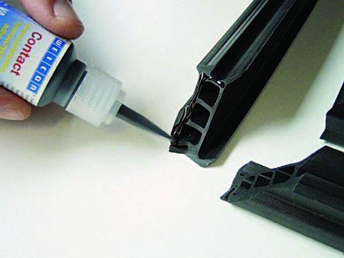 Чем можно склеить пластмассу