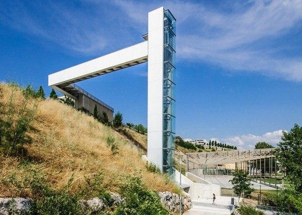Уличный лифт для Памплоны