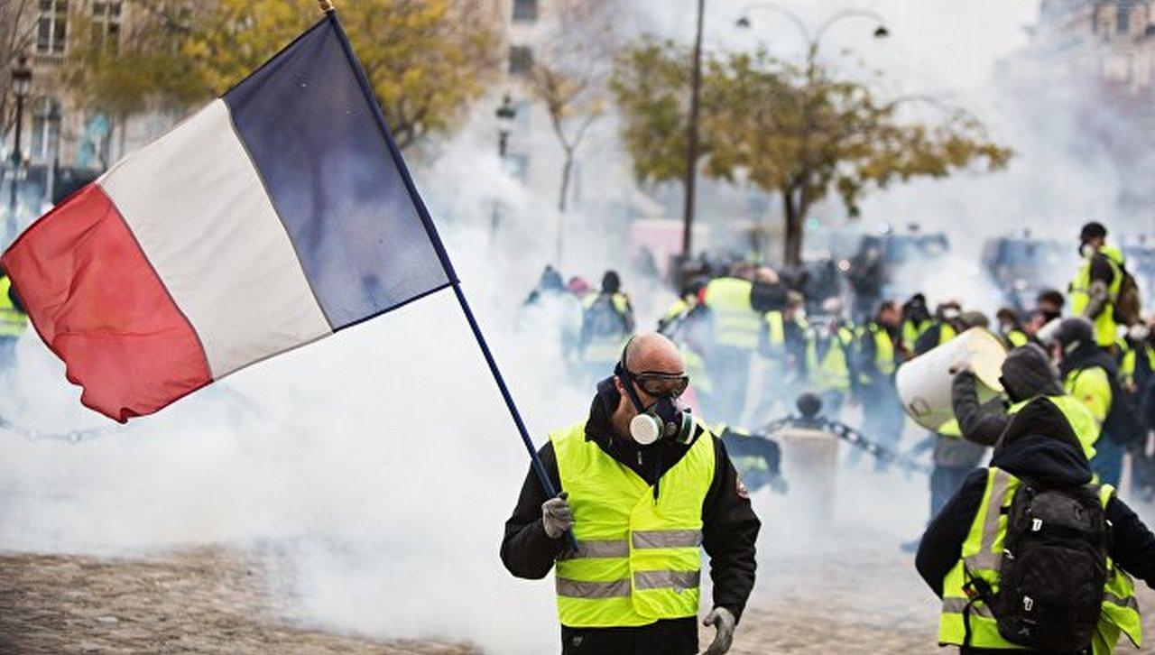 Протесты во Франции могут уничтожить Евросоюз