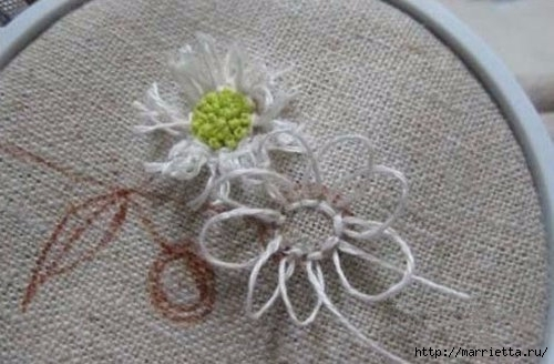 Объемная вышивка. Ромашки, одуванчики, хризантемы и мимоза (2) (500x328, 102Kb)