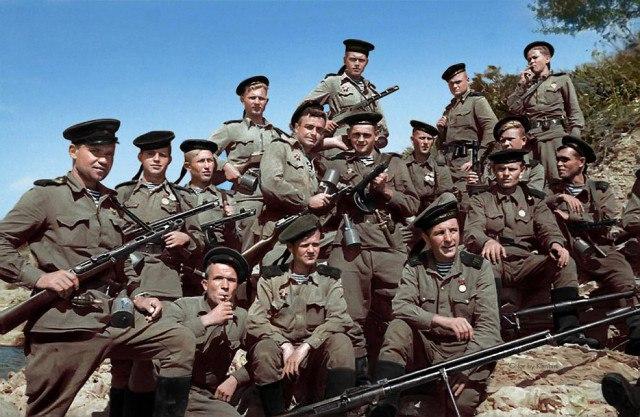 Раскрашенное фото настоящих героев
