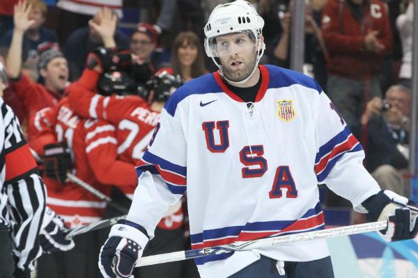 В РФ ответили американскому хоккеисту, назвавшему русских женщин «чернобыльскими уродами»