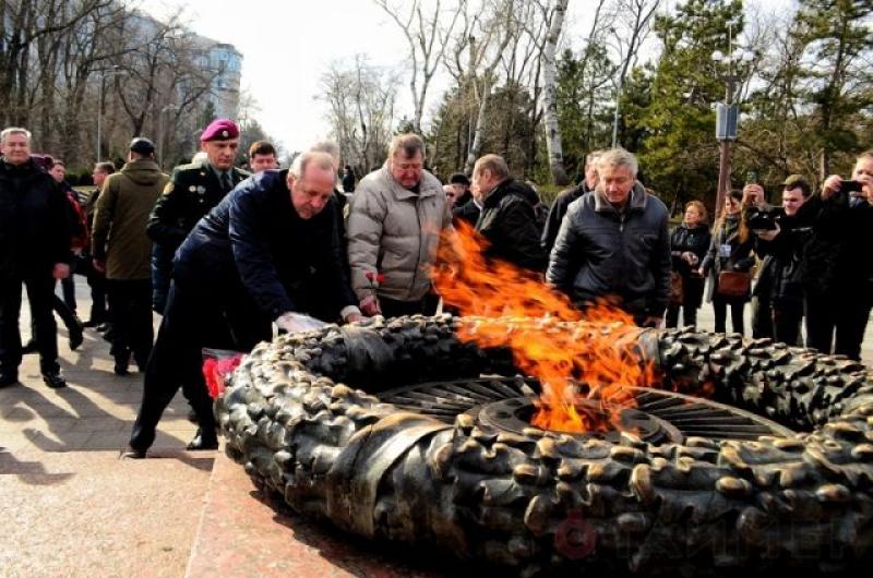 """""""Вставай, страна огромная!"""": в День защитника Отечества одесситы доказали, что их не сломить"""