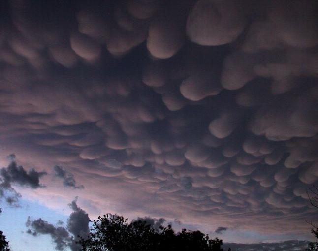 Облака на вечернем небе