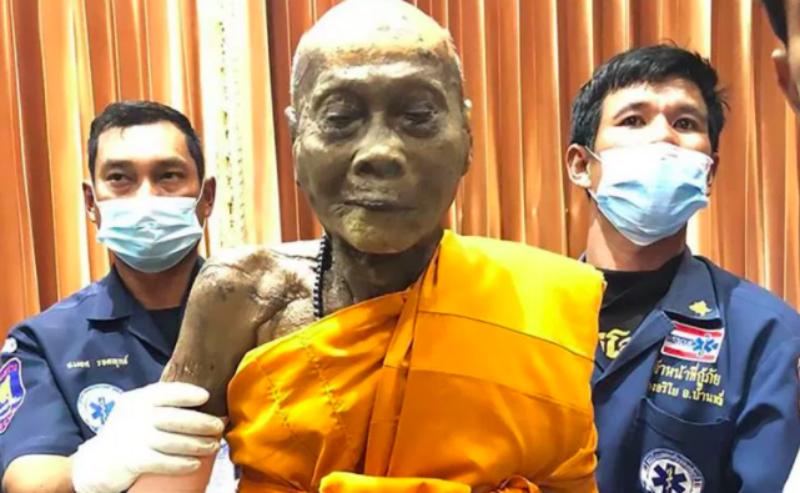 Буддийский монах улыбнулся через два месяца после смерти