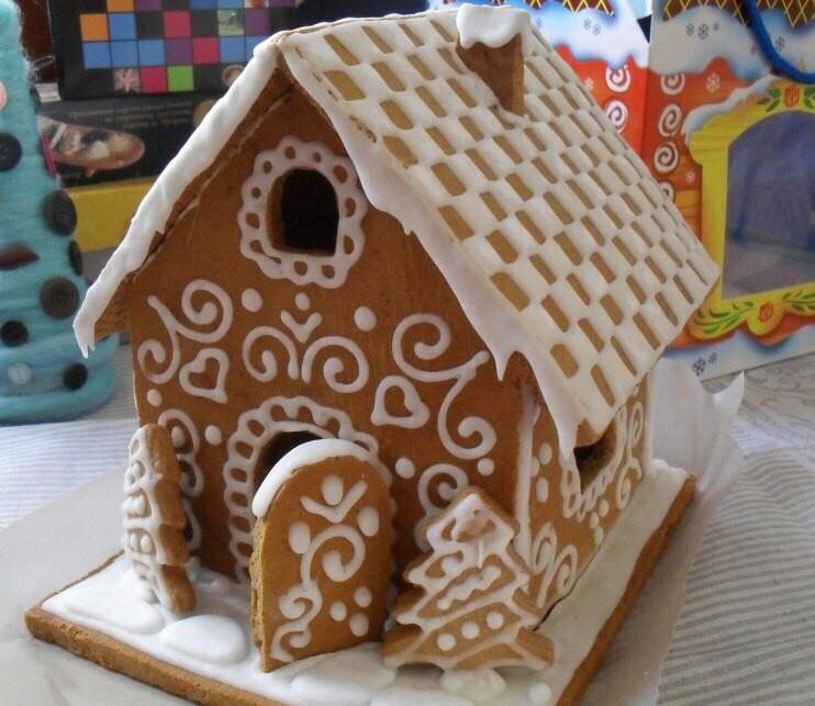 Какие же они красивые, эти пряничные домики! Оцениваем лайками ❤