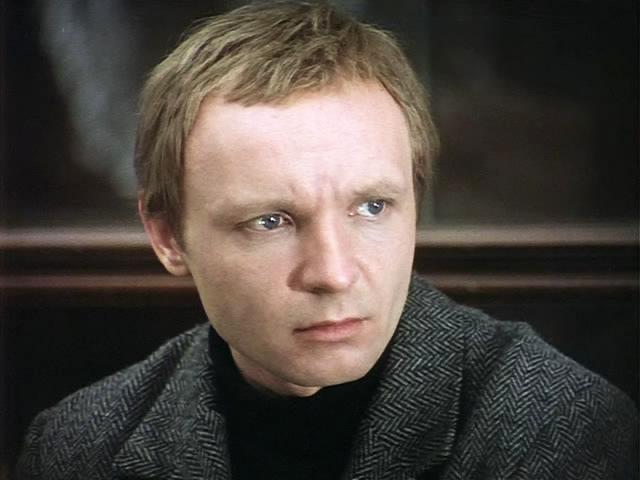 Как выглядит в наши дни 82-летний Лукашин из «Иронии судьбы» и почему актер исчез с экранов