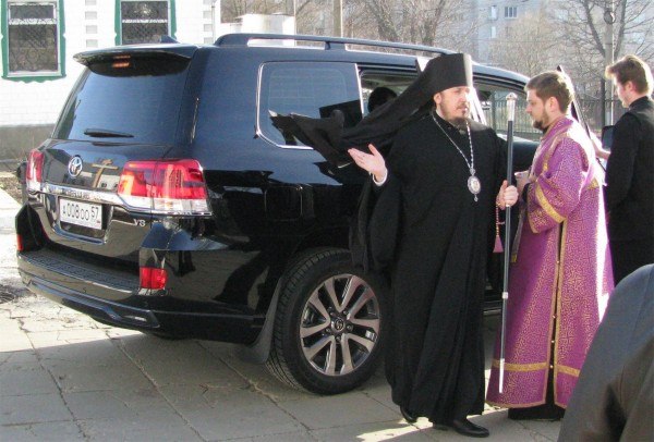 Мракобесие: Про коррупцию в РПЦ писать нельзя — получишь статью за оскорбление чувств верующих