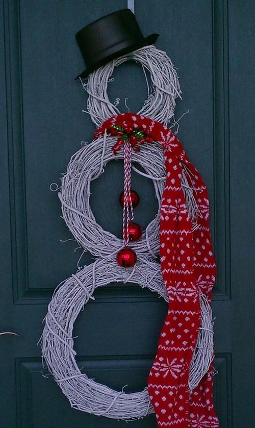 Как украсить дверь на новый год своими руками фото