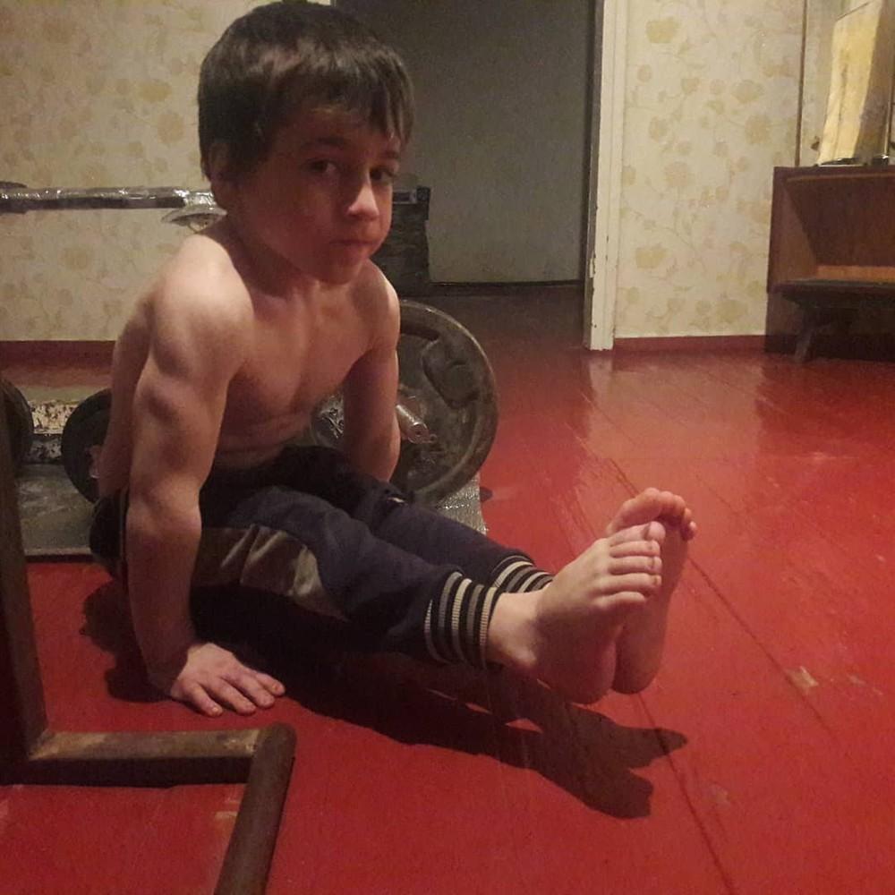 Бедный ребенок: чеченский ма…