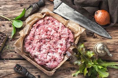 Нафаршировать заразу. Почему мясной полуфабрикат может быть опасен