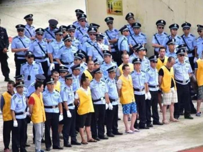 В Китае приговорили к смерти 13 наркоторговцев, и 8 человек тут же казнили