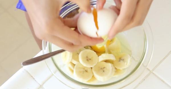 Она просто смешала банан с яйцом, а в итоге получился идеальный вариант завтрака.