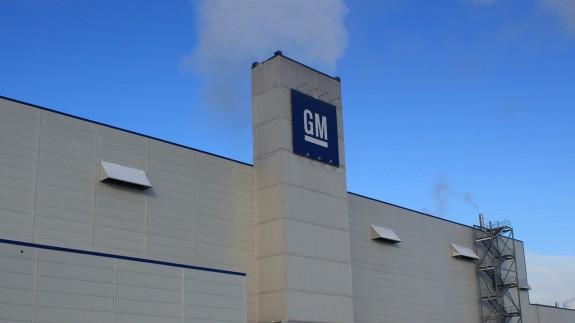 GM на месяц остановит конвейер в Петербурге