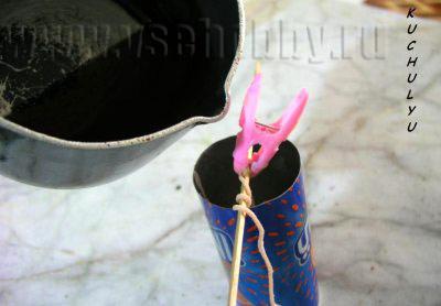заливаем форму воском делаем своими руками свечу