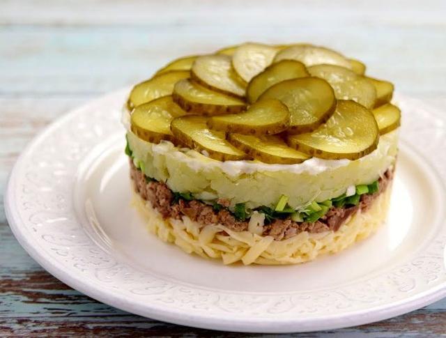 Салат с тресковой печенью: рецепты с фото