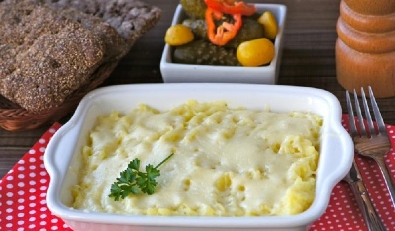 Вкусная картофельная запеканка: готовим в микроволновке